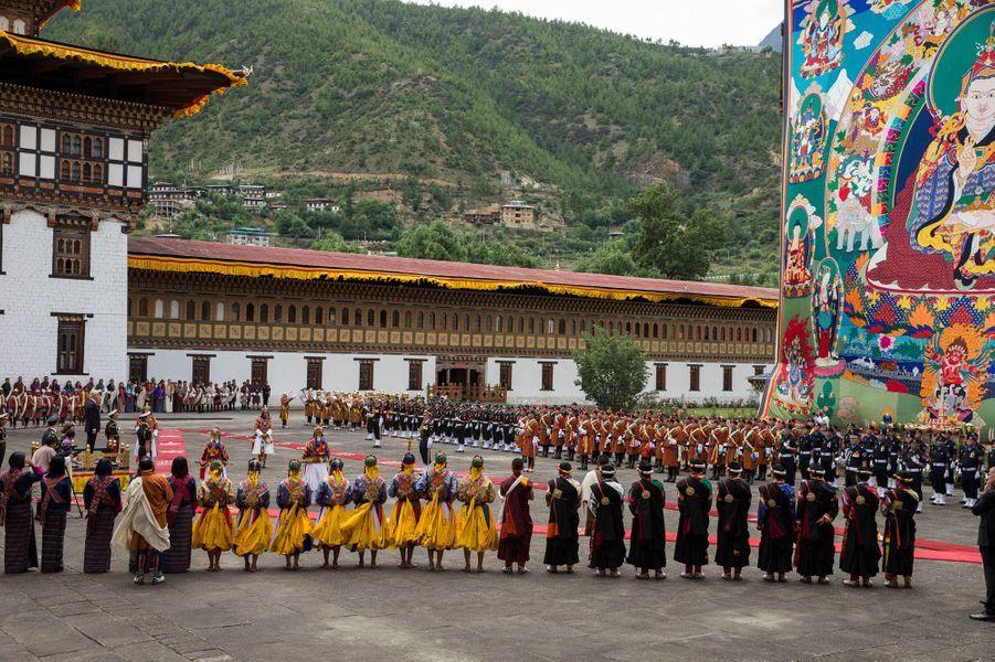 Cérémonie d'accueil de la reine Silvia et du roi Carl XVI Gustaf de Suède à Thimphu, le 8 juin 2016