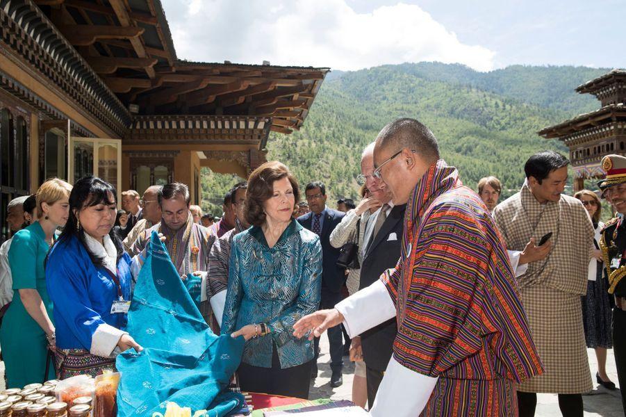 La reine Silvia et le roi Carl XVI Gustaf de Suède à Thimphu, le 9 juin 2016