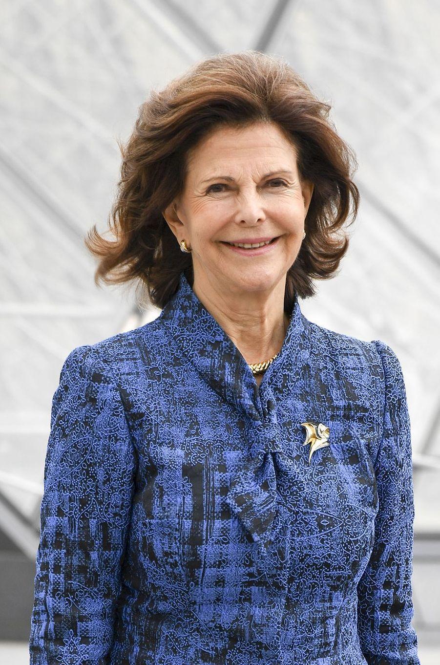 La reine Silvia de Suède à Paris, le 18 octobre 2016