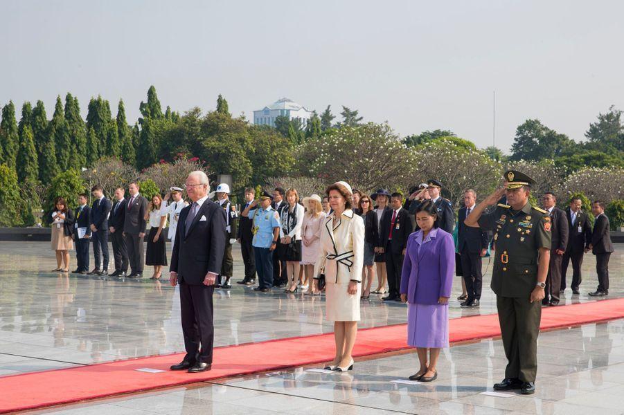 La reine Silvia et le roi Carl XVI Gustaf de Suède à Jakarta, le 23 mai 2017