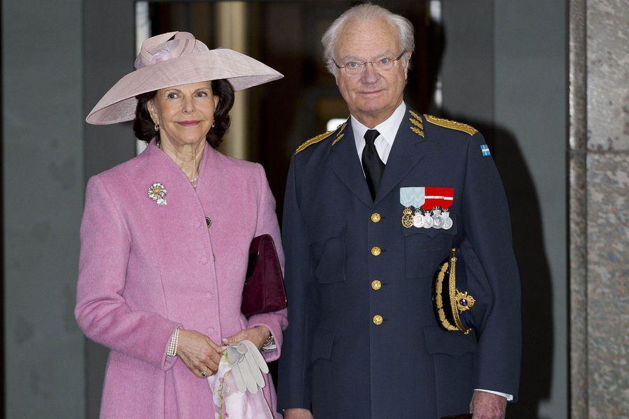 La reine Silvia et le roi Carl XVI Gustaf à Stockholm, le 30 avril 2016