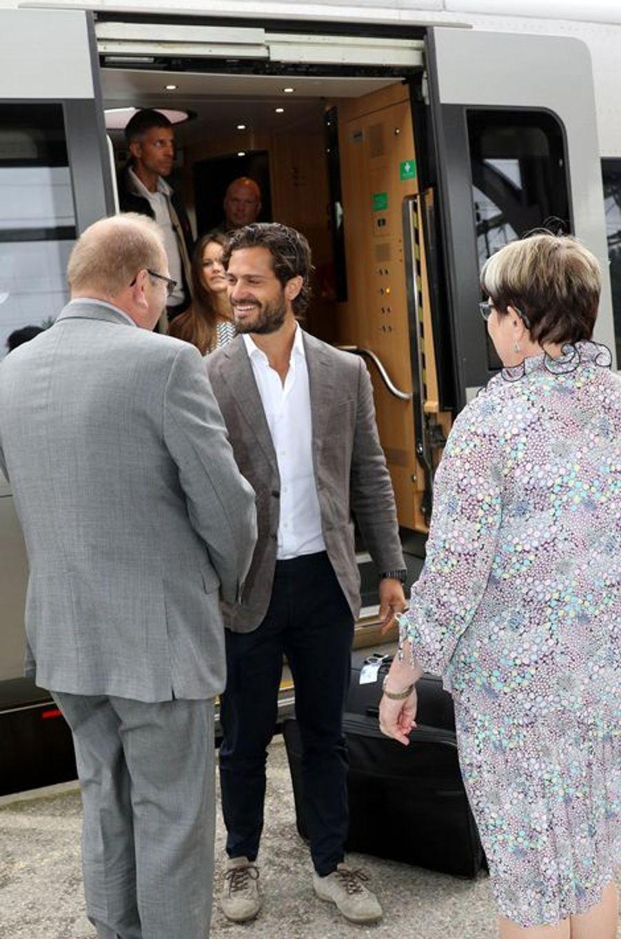 Le prince Carl Philip de Suède à son arrivée dans le Värmland, le 26 août 2015