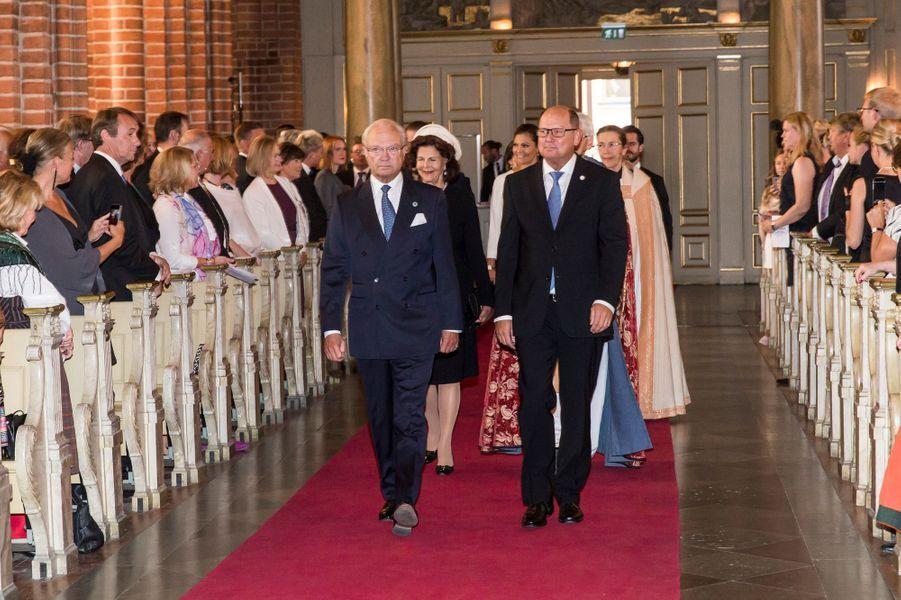 La reine Silvia et le roi Carl XVI Gustaf de Suède dans la cathédrale de Stockholm, le 13 septembre 2016
