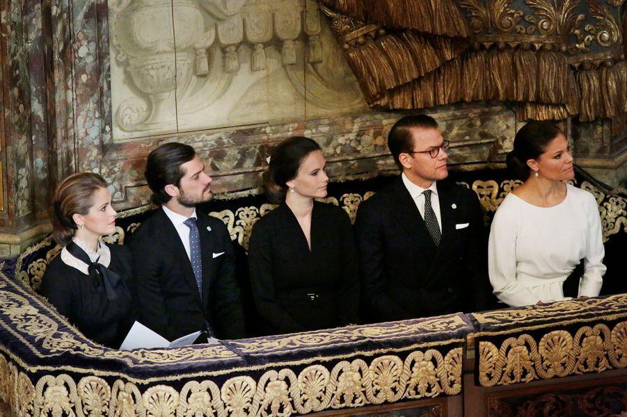 Les princesses Madeleine, Sofia et Victoria et les princes Carl Philip et Daniel de Suède dans la cathédrale de Stockholm, le 13 septembre 2016