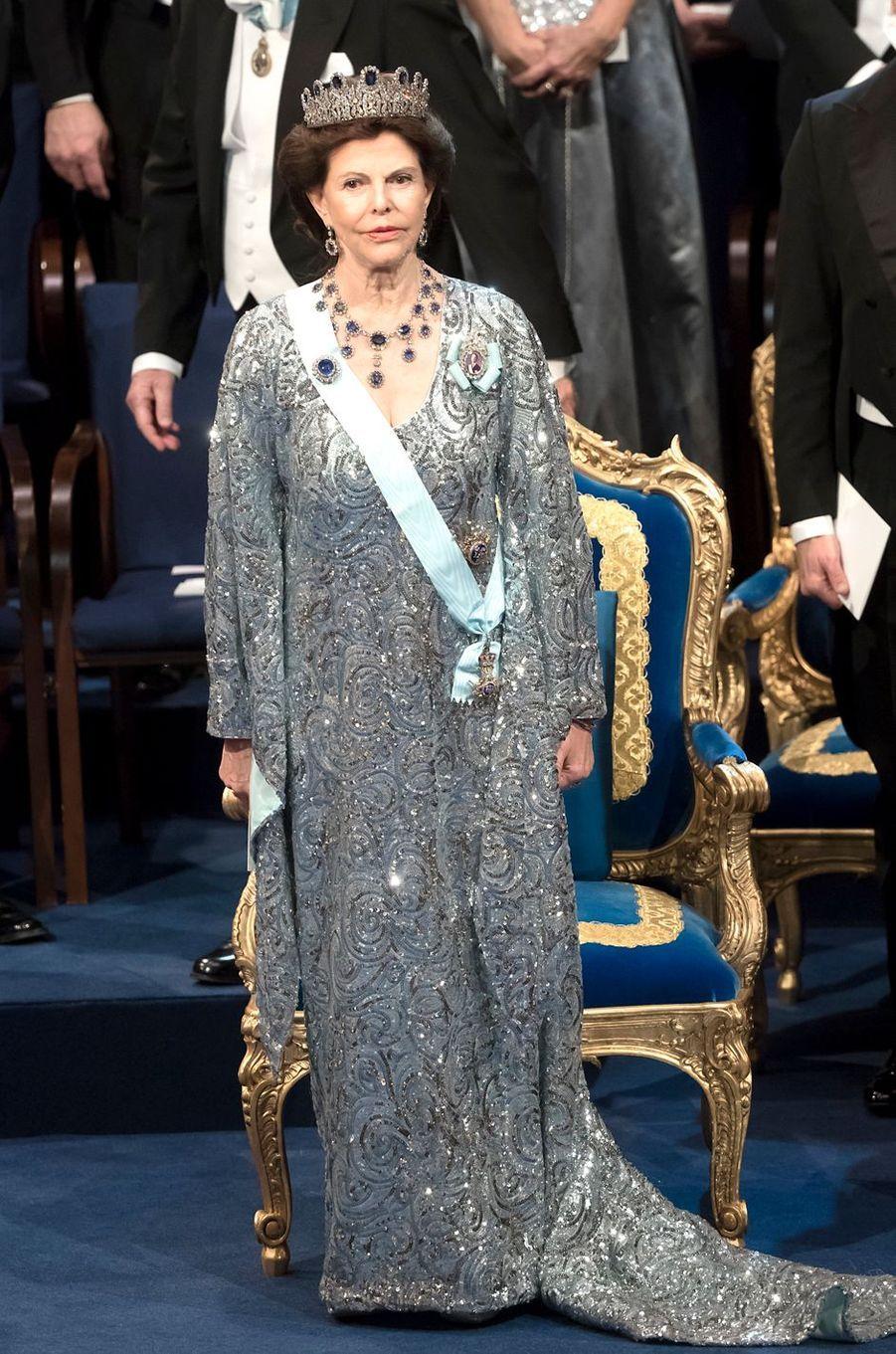 La reine Silvia de Suède à la cérémonie de remise des prix Nobel à Stockholm, le 10 décembre 2016