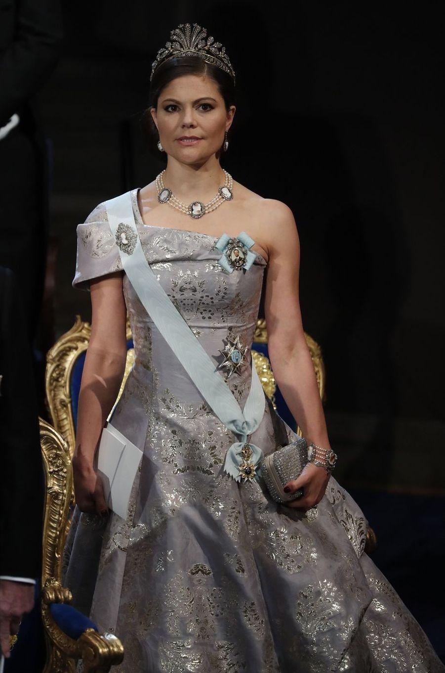 La princesse Victoria de Suède à la cérémonie de remise des prix Nobel à Stockholm, le 10 décembre 2016