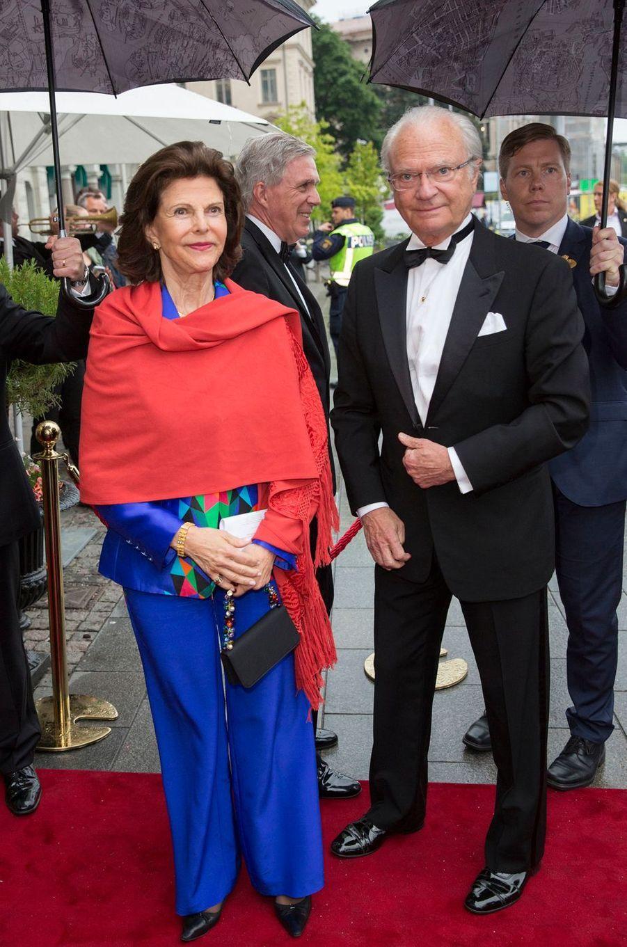 La reine Silvia et le roi Carl XVI Gustaf de Suède à Stockholm, le 16 juin 2016