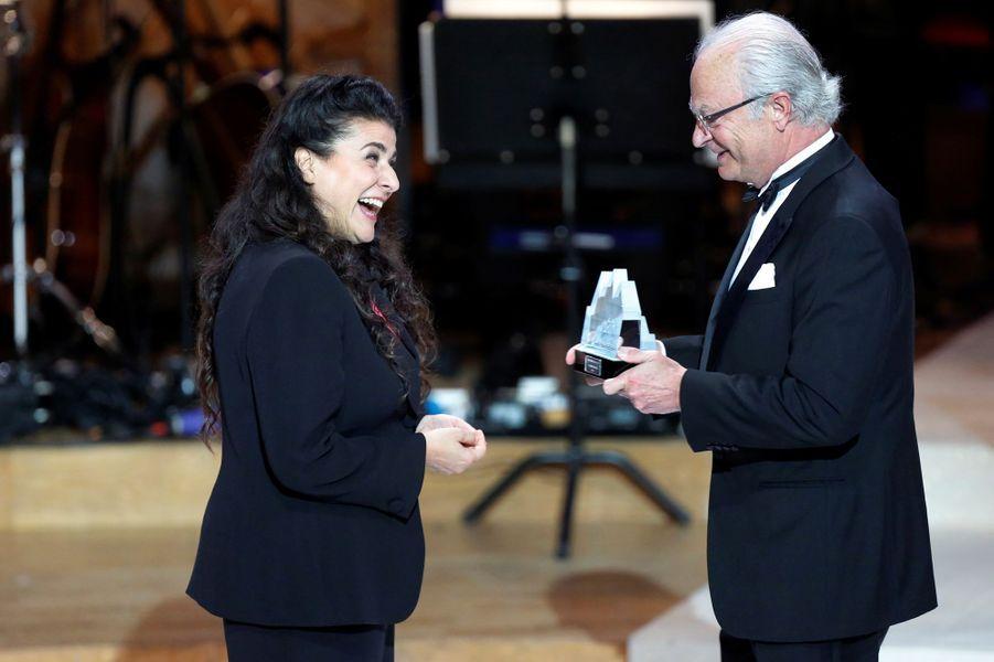 Le roi Carl XVI Gustaf de Suède remet le Polar Music Prize 2016 à Max Martin à Stockholm, le 16 juin 2016