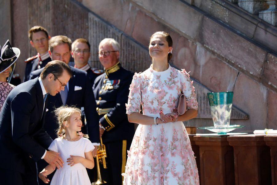 La princesse Victoria, son mari Daniel et la princesse Estelleaux 40 ans de la princesse Victoria, le 14 juillet 2017.