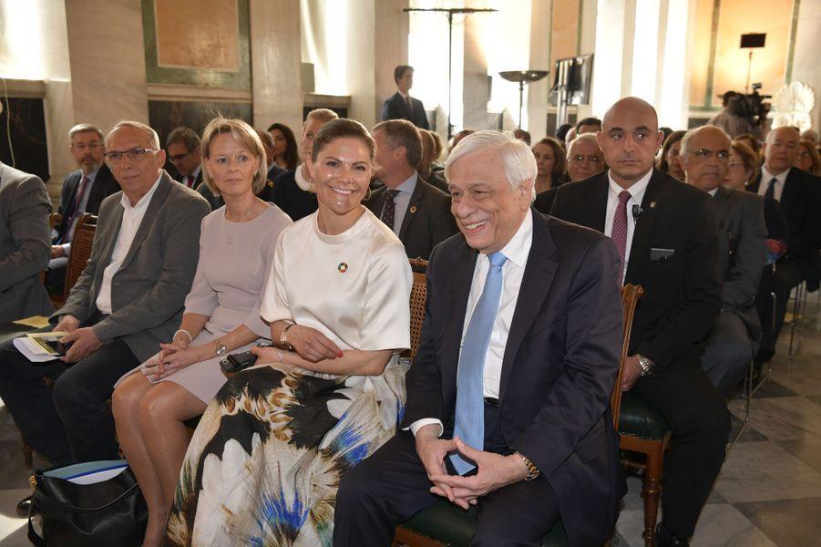 La princesse Victoria de Suède avec Prokopis Pavlopoulos à Athènes, le 2 mai 2019