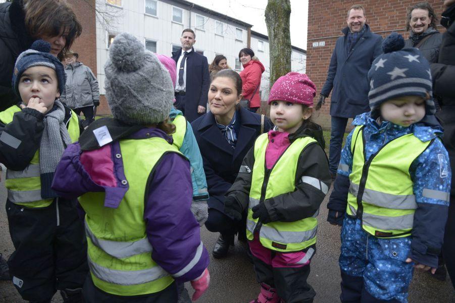 La princesse Victoria de Suède rencontre des enfants à Helsingborg, le 16 janvier 2019