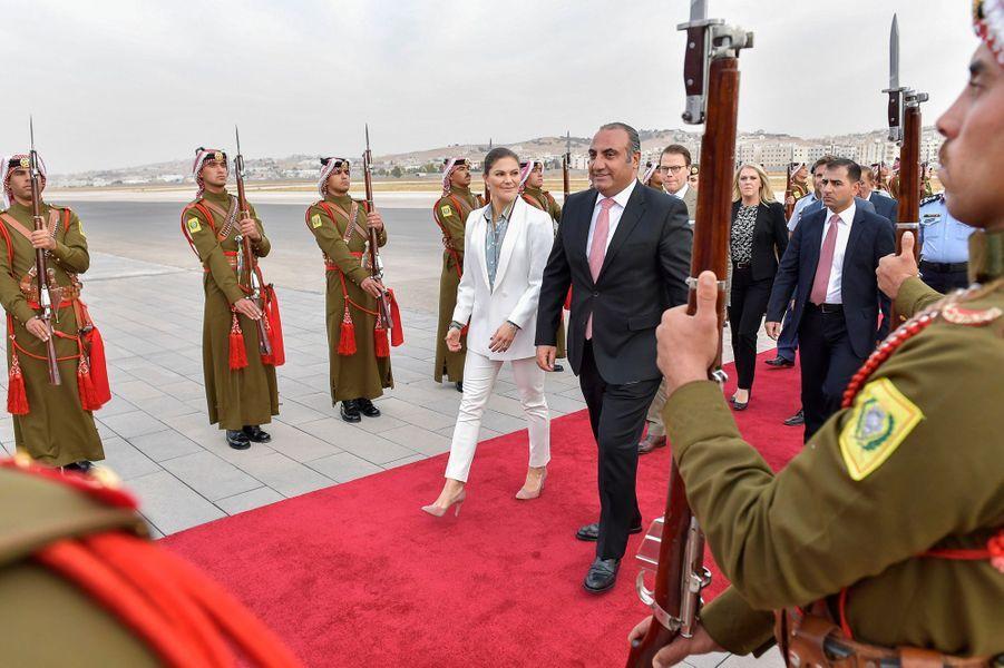 La princesse Victoria de Suède et le prince Daniel arrivent en Jordanie, le 15 octobre 2018