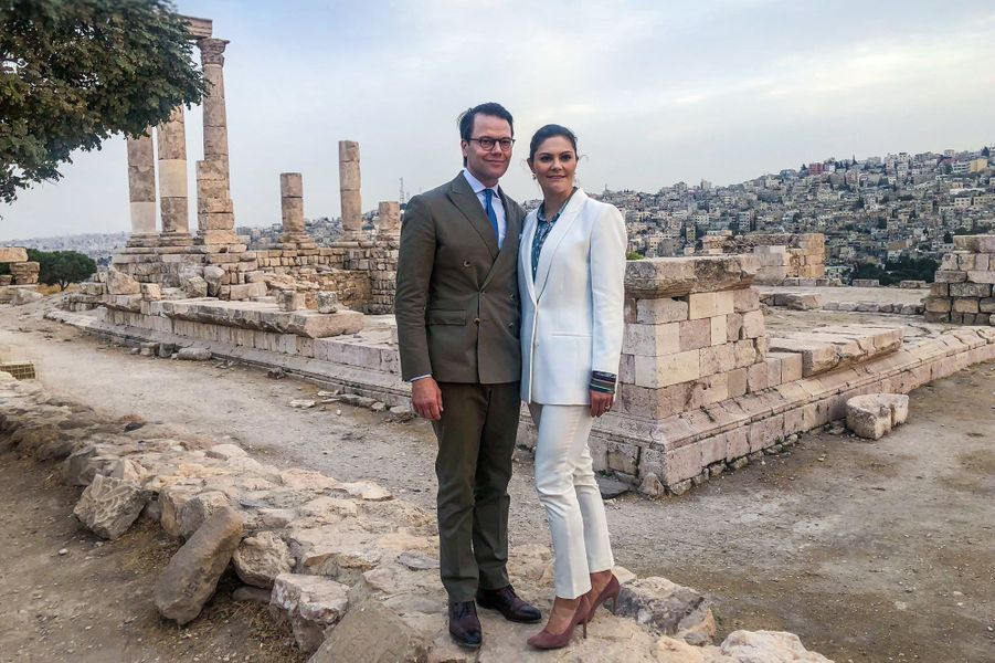La princesse Victoria de Suède et le prince Daniel sur le site de la Citadelle d'Amman, le 15 octobre 2018