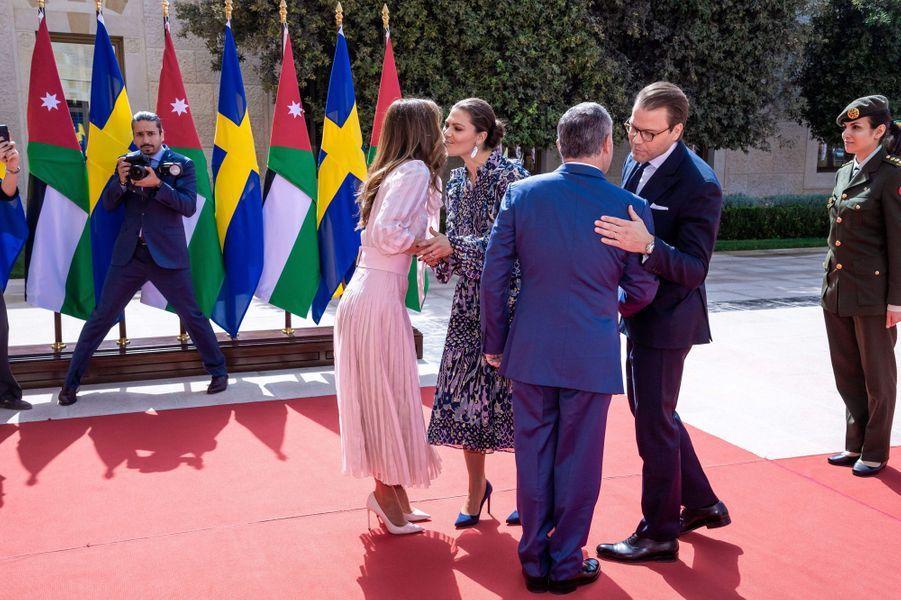 La princesse Victoria de Suède et le prince Daniel avec la reine Rania et le roi Abdallah II de Jordanie à Amman, le 17 octobre 2018