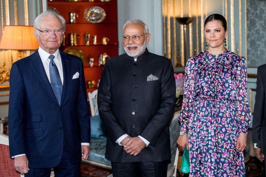 La princesse Victoria et le roi Carl XVI Gustaf de Suède avec le Premier ministre indien à Stockholm, le 17 avril 2018