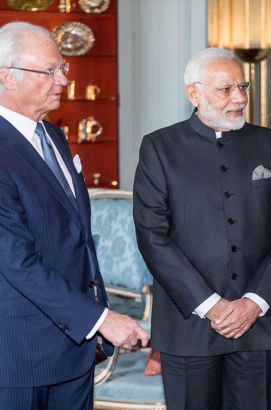 Le roi Carl XVI Gustaf de Suède avec le Premier ministre indien à Stockholm, le 17 avril 2018