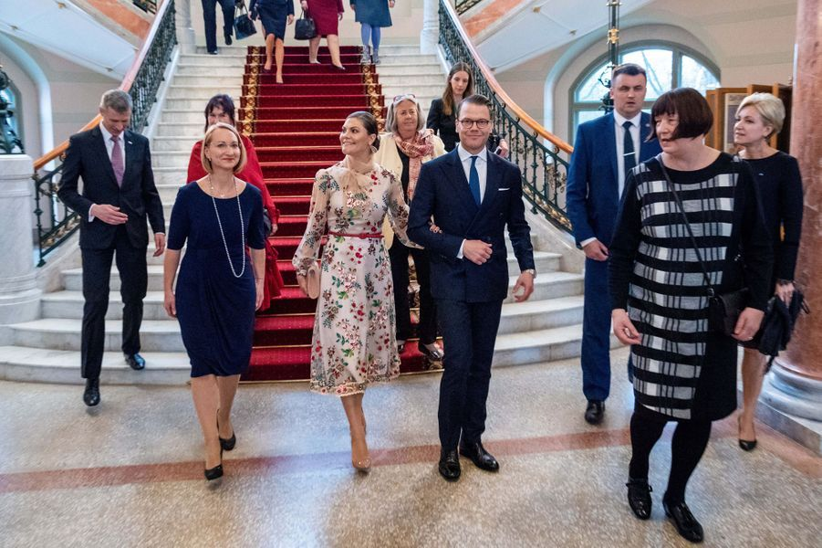La princesse héritière Victoria de Suède et le prince consort Daniel à Riga, le 27 avril 2018