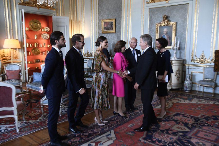 La famille royale de Suède avec le couple présidentiel de Finlande à Stockholm, le 24 août 2017