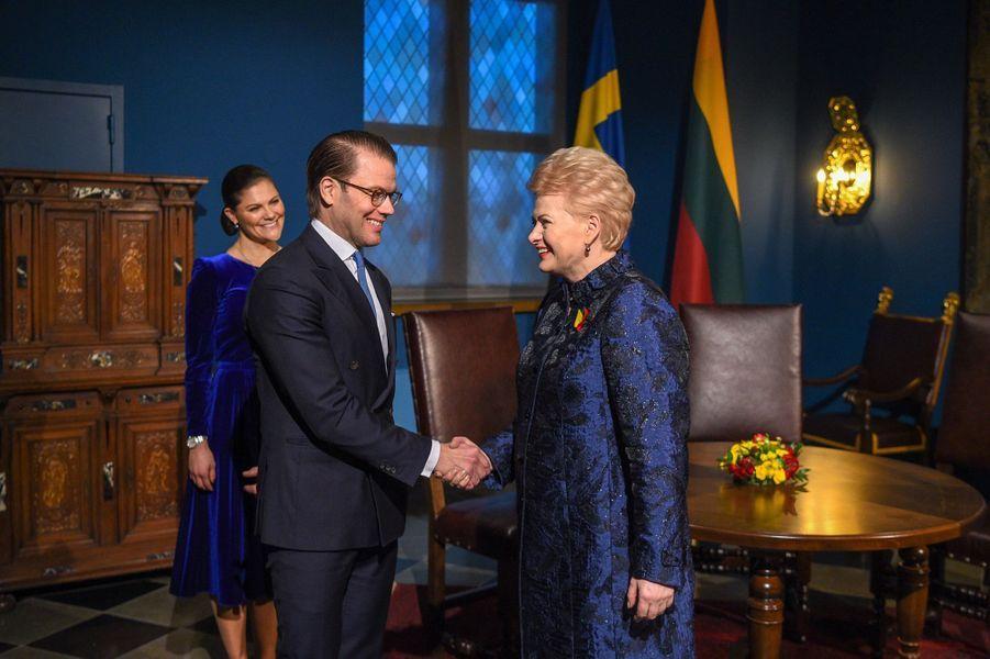 La princesse Victoria et le prince Daniel de Suède avec la présidente de Lituanie à Vilnius, le 16 février 2018