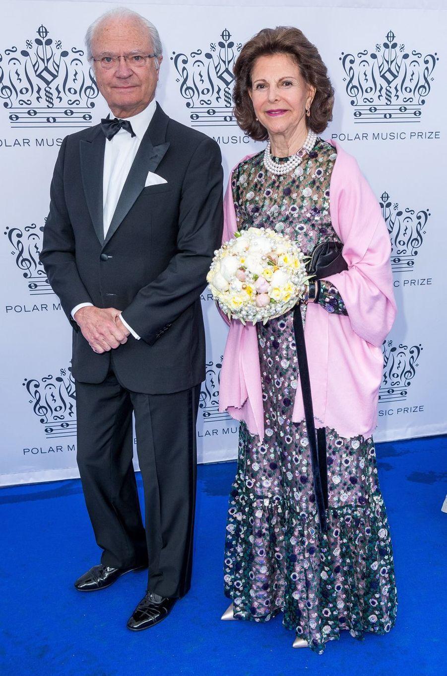 La reine Silvia et le roi Carl XVI Gustaf de Suède à Stockholm, le 15 juin 2017