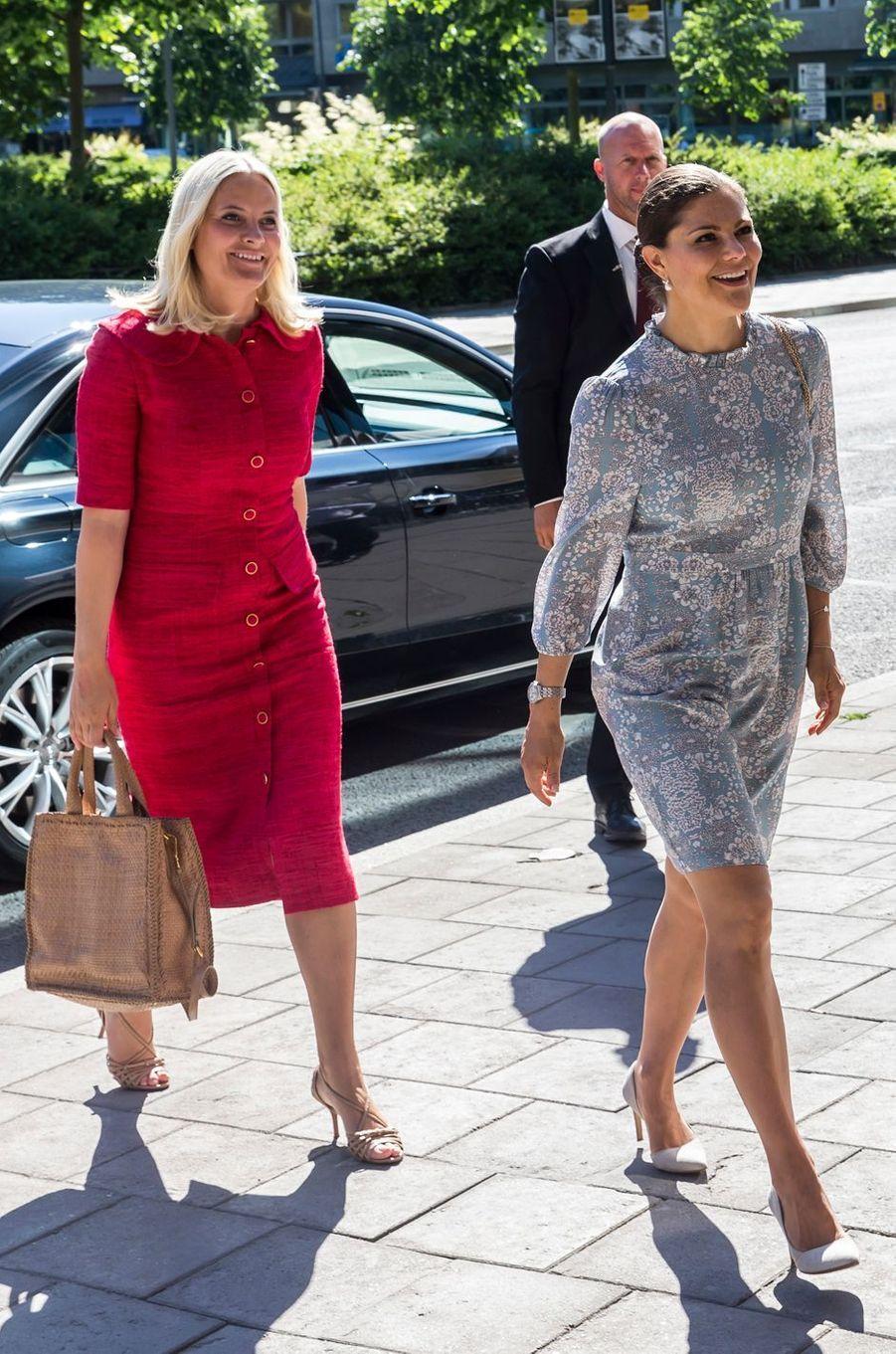 Les princesses Mette-Marit de Norvège et Victoria de Suède à Stockholm, le 13 juin 2016