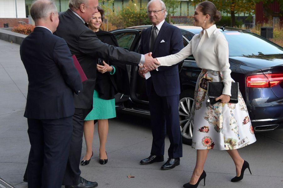 La princesse Victoria de Suède avec ses parents la reine Silvia et le roi Carl XVI Gustaf à Solna, le 16 octobre 2017