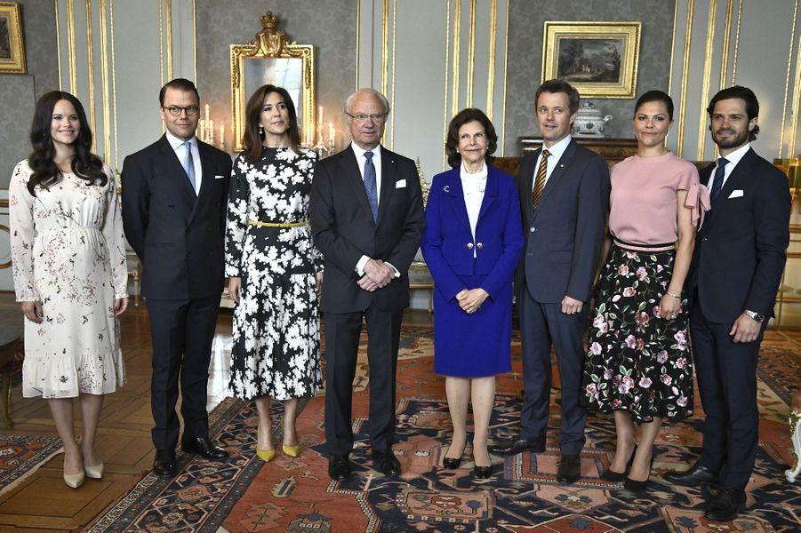 La famille royale de Suède avec la princesse Mary et le prince Frederik de Danemark à Stockholm, le 30 mai 2017