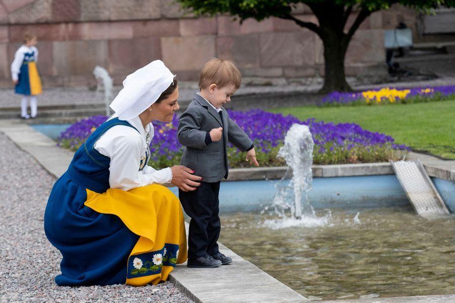 La princesse Victoria et le prince Oscar de Suède à Stockholm, le 6 juin 2018
