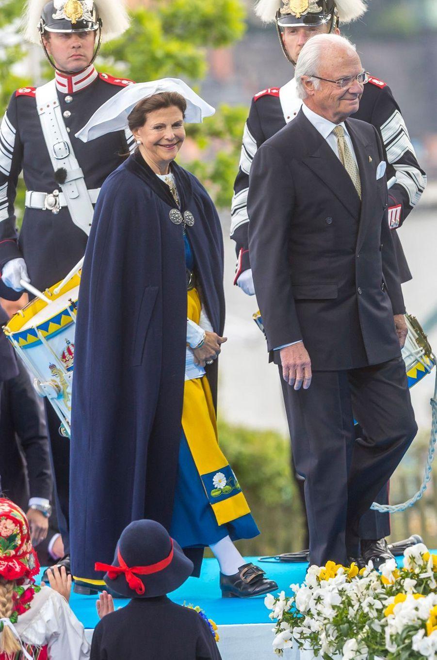 La reine Silvia et le roi Carl XVI Gustaf de Suède à Stockholm, le 6 juin 2018