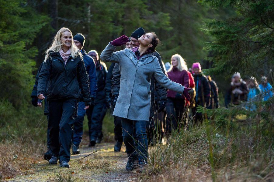 La princesse Victoria de Suède dans la réserve naturelle de Glaskogen dans le Wärmland, le 17 novembre 2017