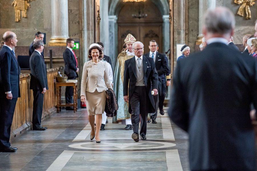 La reine Silvia et le roi Carl XVI Gustaf de Suède à Stockholm, le 22 avril 2016