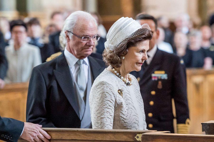 Le roi Carl XVI Gustaf et la reine Silvia de Suède à Stockholm, le 22 avril 2016