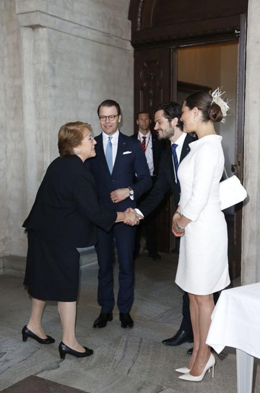 La princesse Victoria de Suède avec les princes Daniel et Carl Philip à Stockholm, le 11 mai 2016