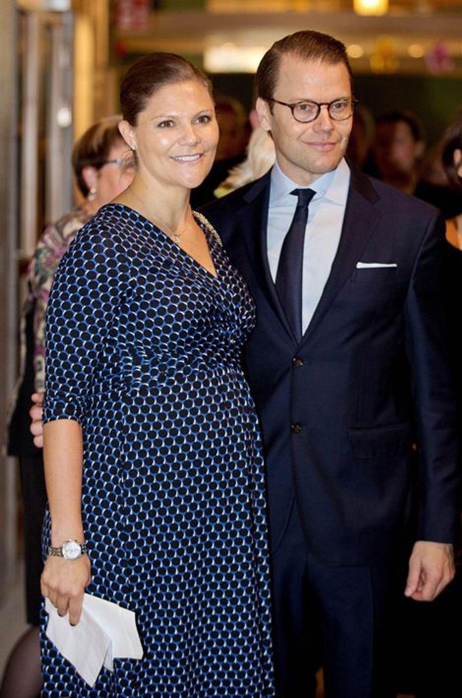 La princesse Victoria de Suède, avec le prince consort Daniel, le 18 novembre 2015