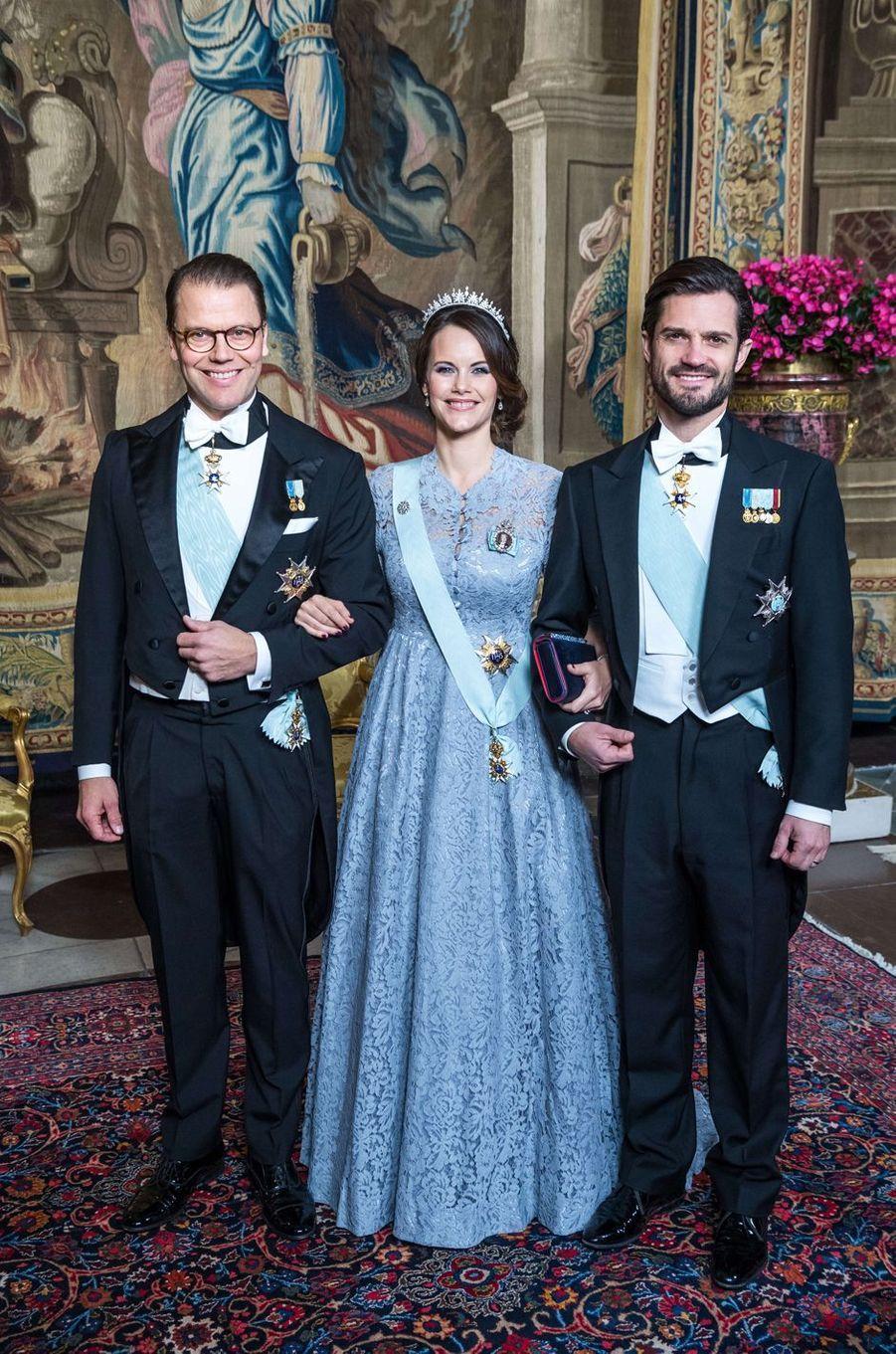La princesse Sofia avec les princes Daniel et Carl Philip de Suède à Stockholm, le 23 novembre 2017