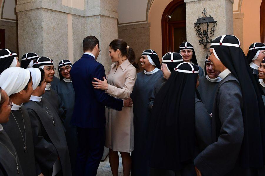 La princesse Victoria de Suède et le prince consort Daniel visitent le couvent des Soeurs de Sainte-Birgitta à Rome, le 15 décembre 2016
