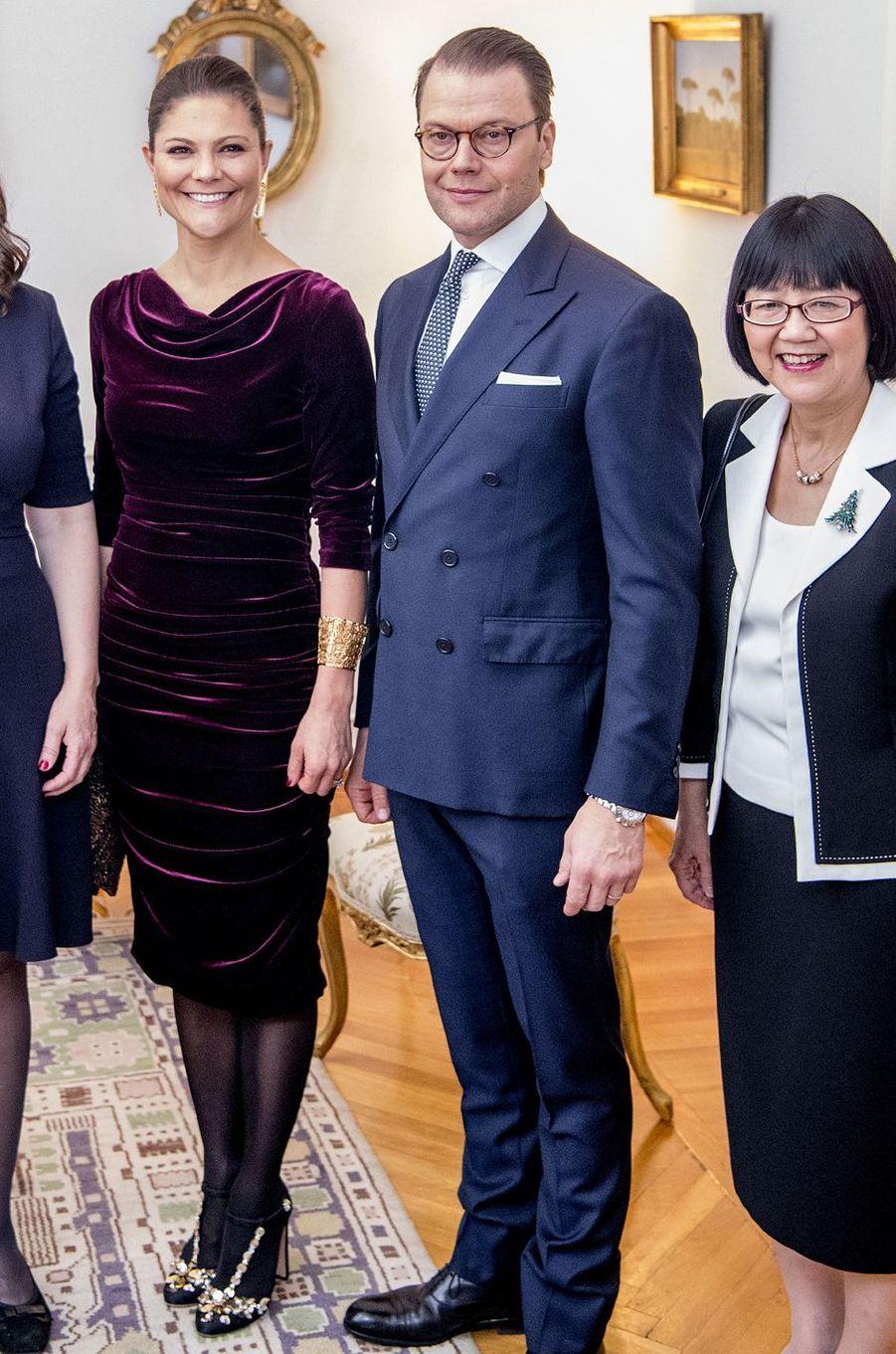 La princesse Victoria de Suède et le prince consort Daniel à l'ambassade de Suède à Rome, le 15 décembre 2016