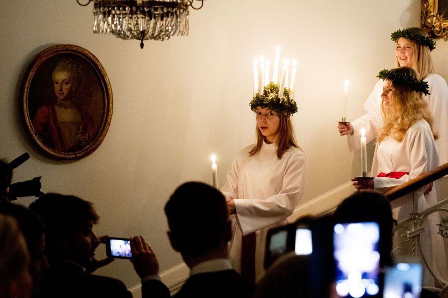 Défilé des lumières de Sainte-Lucie à l'ambassade de Suède à Rome, le 15 décembre 2016