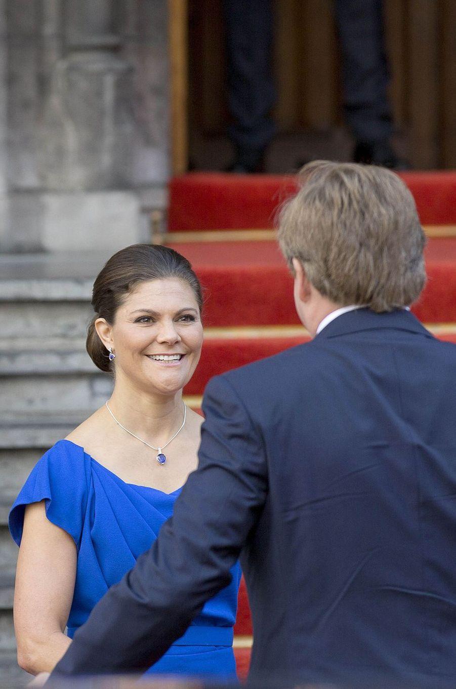 La princesse Victoria de Suède retrouve le roi Willem-Alexander des Pays-Bas à La Haye, le 26 avril 2017