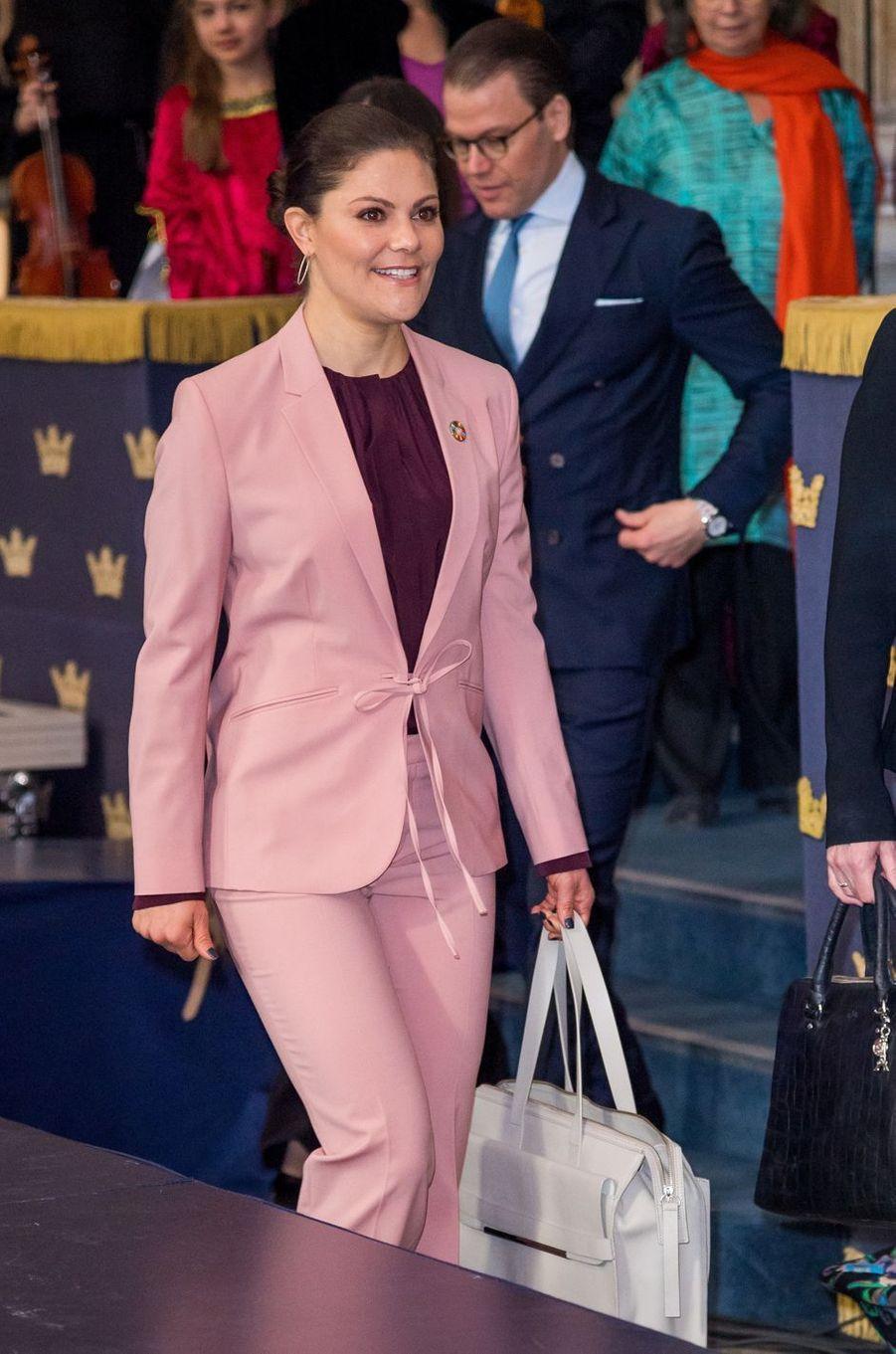 La princesse Victoria de Suède avec le prince consort Daniel à Stockholm, le 11 avril 2018
