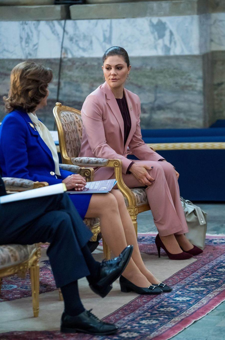La reine Silvia et la princesse Victoria de Suède à Stockholm, le 11 avril 2018