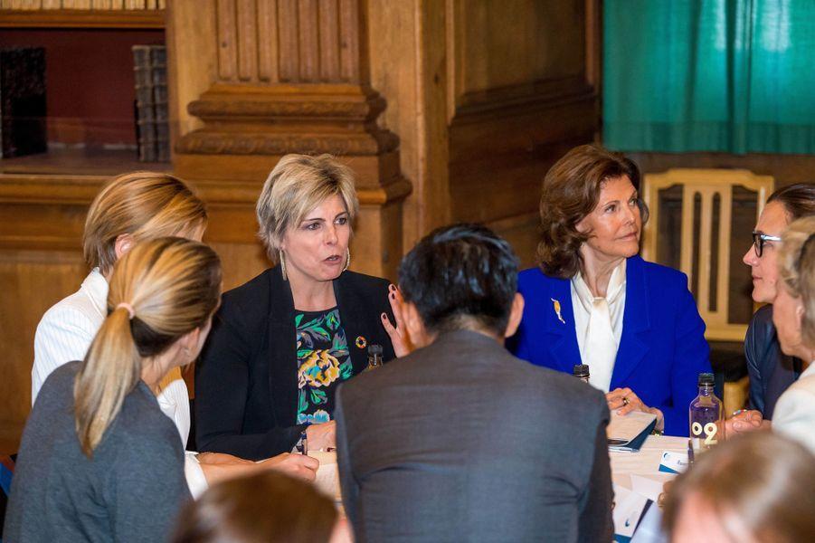 La princesse Laurentien des Pays-Bas et la reine Silvia de Suède à Stockholm, le 11 avril 2018