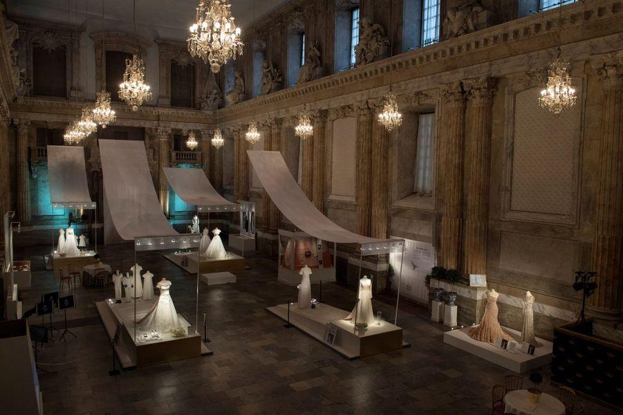 L'exposition des robes de mariée de la famille royale suédoise 1976-2015 inaugurée à Stockholm, le 17 octobre 2016