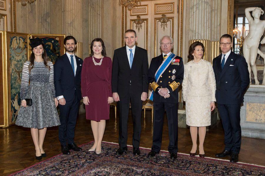 La famille royale de Suède avec le couple présidentiel islandais à Stockholm, le 17 janvier 2018