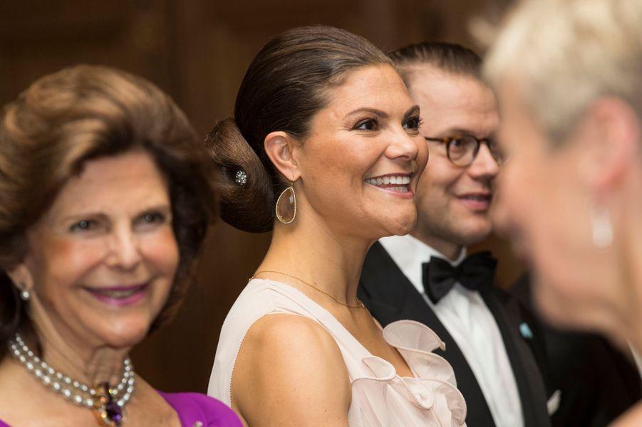La princesse Victoria de Suède avec la reine Silvia et le prince consort Daniel, à Stockholm le 22 septembre 2017