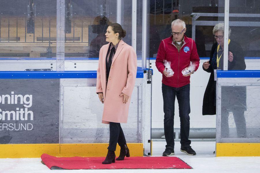 La princesse Victoria de Suède à un match de handi-hochey à Östersund, le 13 octobre 2017