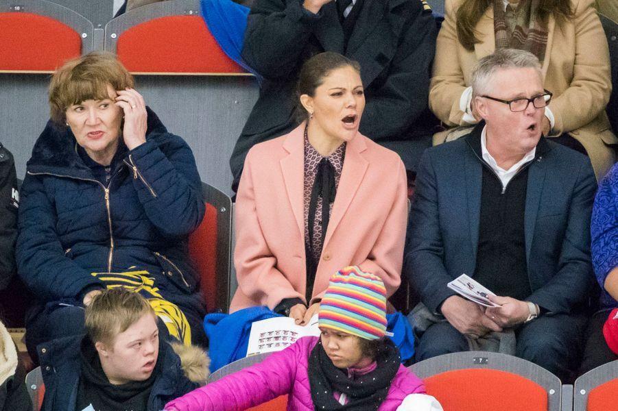 La princesse Victoria de Suède assiste à un match de handi-hochey à Östersund, le 13 octobre 2017
