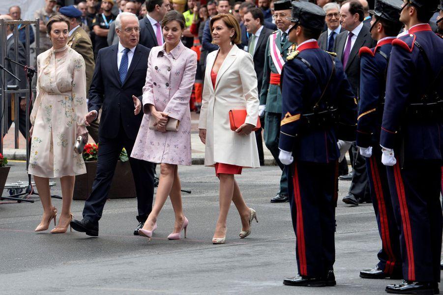 La reine Letizia et le roi Felipe VI d'Espagne à la Journée des Forces armées à Logroño, le 25 mai 2018