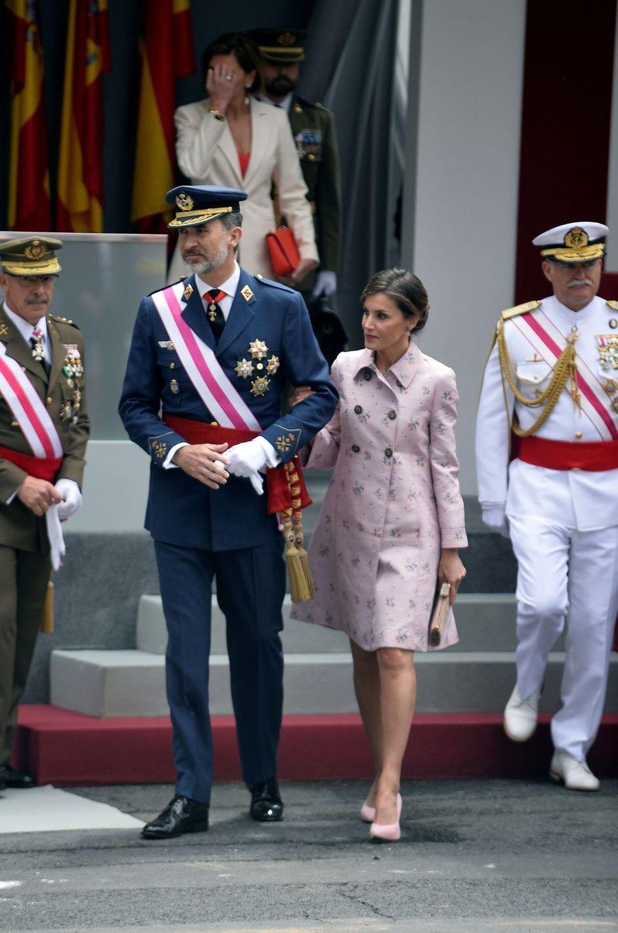 La reine Letizia, en Carolina Herrera, et le roi Felipe VI d'Espagne à Logroño, le 25 mai 2018