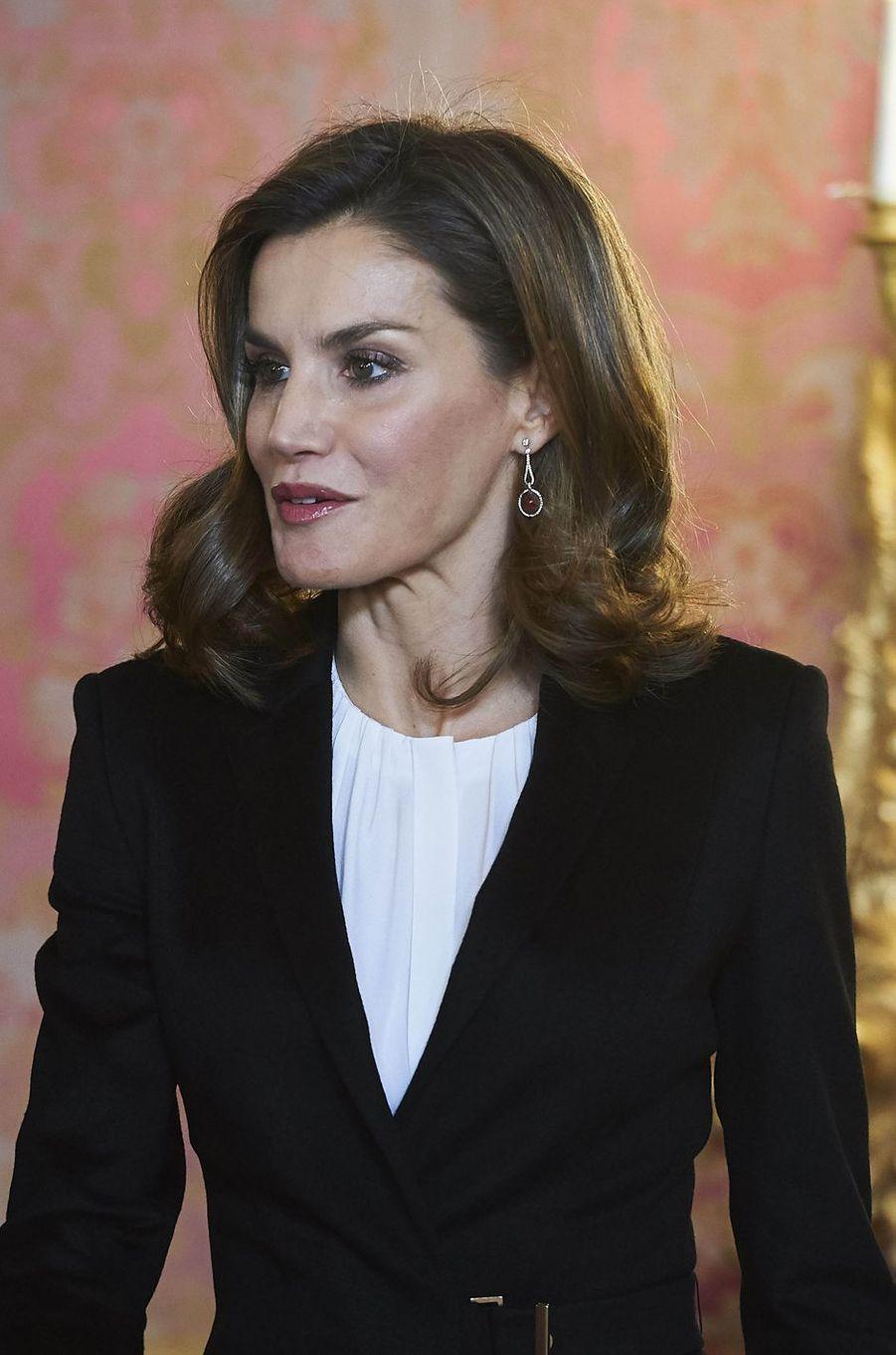 La reine Letizia d'Espagne à Madrid, le 1er décembre 2017